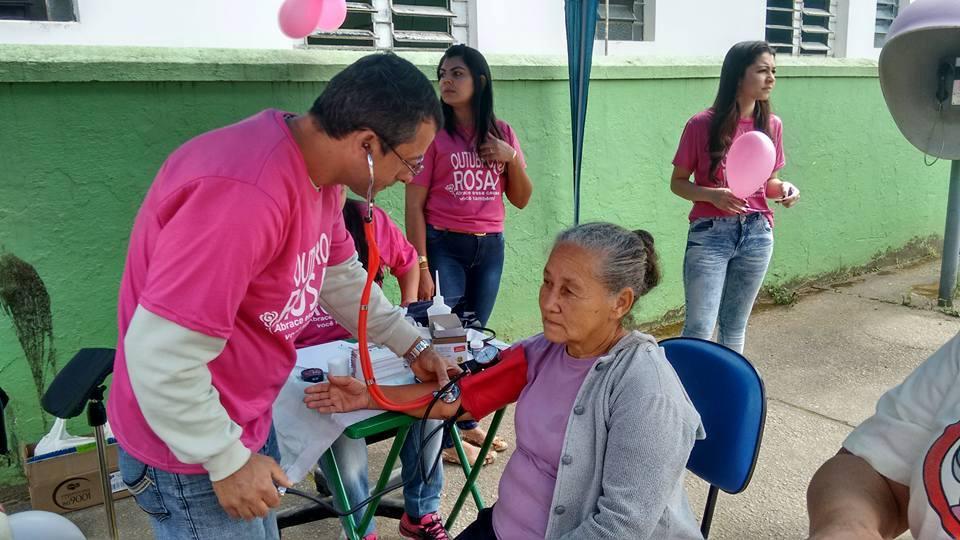 598897fcc Campanha Outubro Rosa alerta sobre o câncer de mama